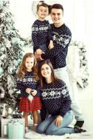 Светр вязаний для дівчинки