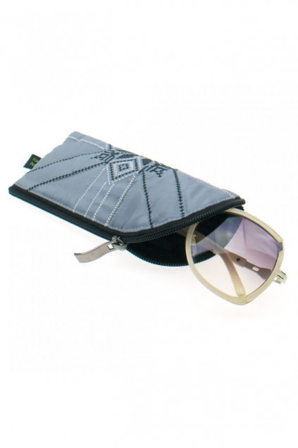 Вишитий чохол для окулярів (911)