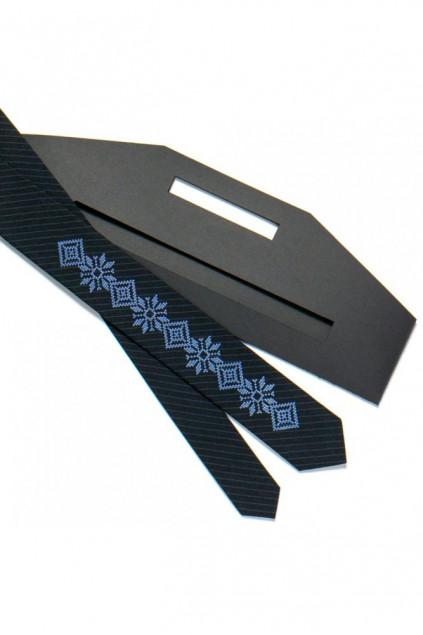 Вузька краватка з вишивкою (719)